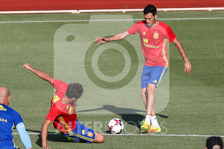 Spanish player Sergio Busquets and Javi Martinez during the first training of the concentration of Spanish football team at Ciudad del Futbol de Las Rozas before the qualifying for the Russia world cup in 2017 August 29, 2016. (ALTERPHOTOS/Rodrigo Jimenez)
