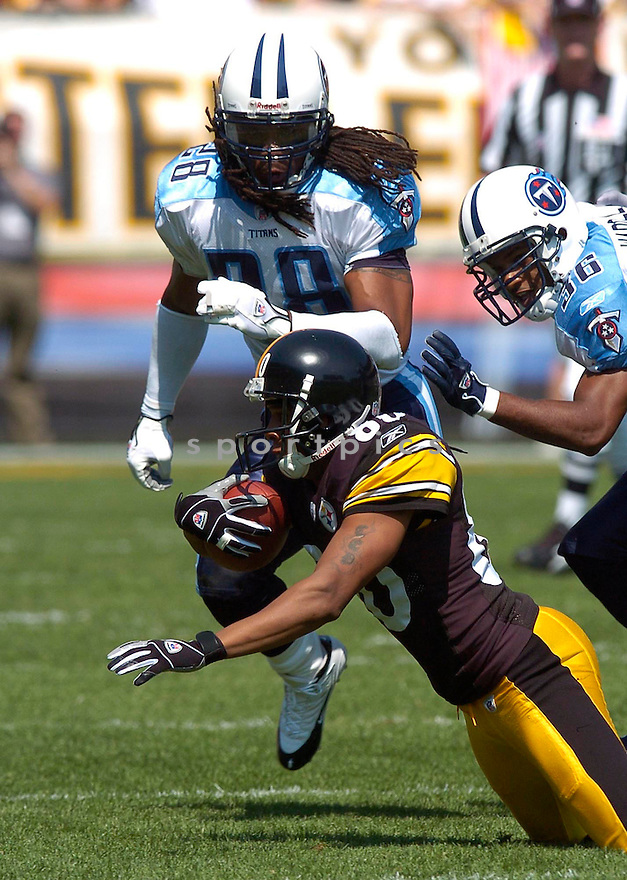 Lamont Jordan, of the Tennessee Titans, during thier game against the Pittsburgh Steelers on September 11, 2005....Steeler win 34-7..Chris Bernacchi / SportPics