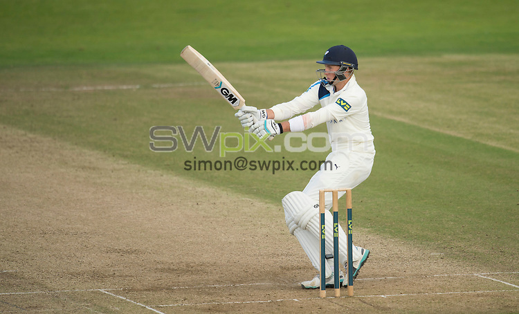 Picture by Allan McKenzie/SWpix.com - 26/09/2014 - Cricket - LV County Championship Div One - Yorkshire County Cricket Club v Somerset County Cricket Club - Headingley Cricket Ground, Leeds, England - Yorkshire's Joe Root hooks a delivery.