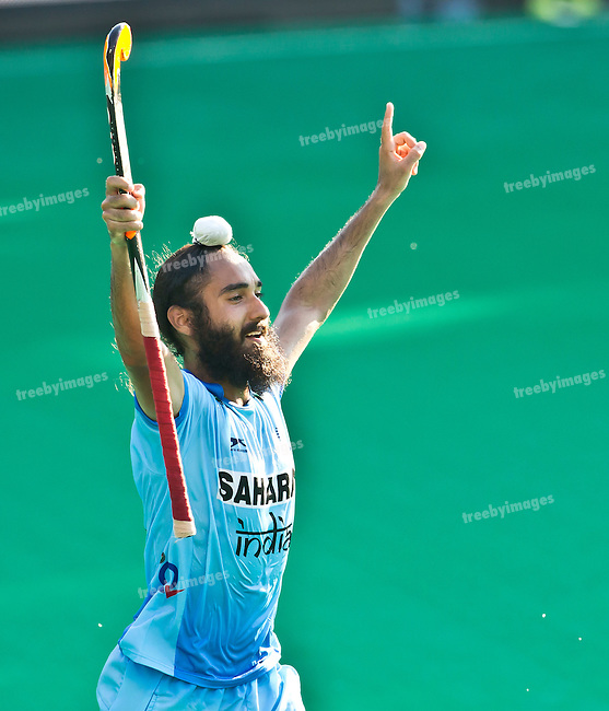 01/07/2015<br /> HWL Semi Final Antwerp Belgium 2015<br /> India v Malaysia Men<br /> Jasjit Singh Kular goals for India <br /> Photo: Grant Treeby
