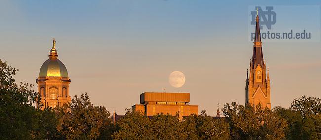 October 14, 2016; Moonrise (Photo by Matt Cashore/University of Notre Dame)