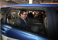 BOGOTÁ - COLOMBIA, 02-09-2013. Gustavo Petro, Alcalde Mayor de la ciudad de Bogotá, presentó loos primeros 12 taxis eléctricos que se usaran en la capital de Colombia a partir de la próxima semana./ Gustavo Petro, Mayor of Bogota, introduces the first 12 electric taxis that will be use from the next week  in the capital of Colomkbia. Photo: VizzorImage/ Ignacio Prieto - ALCALDIA MAYOR BOGOTA /HANDOUT PICTURE; MANDATORY USE EDITORIAL ONLY/