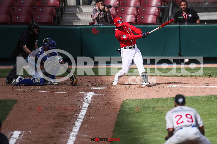 Rusney Castillo en su turno al bat por Puerto Rico, durante el partido de beisbol de la Serie del Caribe entre Republica Dominicana vs Puerto Rico en el Nuevo Estadio de los Tomateros en Culiacan, Mexico, Sabado 4 Feb 2017. Foto: Luis Gutierrez/NortePhoto.com<br /> <br /> Actions, during the Caribbean Series baseball match between Dominican Republic vs Puerto Rico at the New Tomateros Stadium in Culiacan, Mexico, Saturday 4 Feb 2017. Photo: Luis Gutierrez / NortePhoto.com