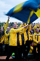 Swedish scouts are cheering while their flag are beeing presented during the flag parade. Photo: Fredrik Sahlström/Scouterna