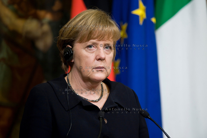 La Cancelliera tedesca Angela Merkel durante la conferenza stampa a Palazzo Chigi dopo l'incontro con mario Monti..German Chancellor Angela Merkel during a press conference with Italian Prime Minister Mario Monti at Palazzo Chigi in Rome.