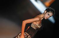 BARCELONA, ESPANHA, 11 DE MAIO DE 2012 - BARCELONA BRIDAL WEEK - CABOTINE BY GEMA NICOLAS -<br /> Desfile da grife  Cabotine By Gema Nicolas no quarto dia do Barcelona Bridal Week, o maior evento de moda nupcial da Europa e um dos maiores do mundo, na Fira Barcelona Gran Via, em Barcelona (Espanha), nesta sexta-feira(10). (FOTO: WILLIAM VOLCOV / BRAZIL PHOTO PRESS).