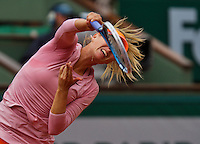 France, Paris, 26.05.2014. Tennis, Roland Garros,  Maria Sharapova (RUS) serving in her match  against Ksenia Pervak (RUS)<br /> Photo:Tennisimages/Henk Koster