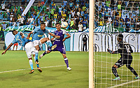MONTERIA - COLOMBIA, 22-07-2018:  Darwin Lopez (Izq) jugador de Jaguares FC disputa el balón con Diego Arias (Der) jugador de Once Caldas durante partido por la fecha 1 de la Liga Águila II 2018 jugado en el estadio Municipal de Montería. / Darwin Lopez (L) player of Jaguares FC vies for the ball with Diego Arias (R) player of Once Caldas during a match for the date 1 of the Liga Aguila II 2018 at the Municipal de Monteria Stadium in Monteria city. Photo: VizzorImage / Andres Felipe Lopez / Cont