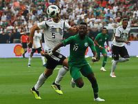 Fahad Al-Mulwallad (Saudi-Arabien) gegen Mats Hummels (Deutschland Germany) - 08.06.2018: Deutschland vs. Saudi-Arabien, Freundschaftsspiel, BayArena Leverkusen