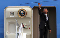 Pictured: US President Barack Obama waves goodbye from Air Force One before departing from Eleftherios Venizelos Airport in Athens, Greece. Wednesday 16 November 2016<br /> Re: US President Barack Obama state visit to Greece