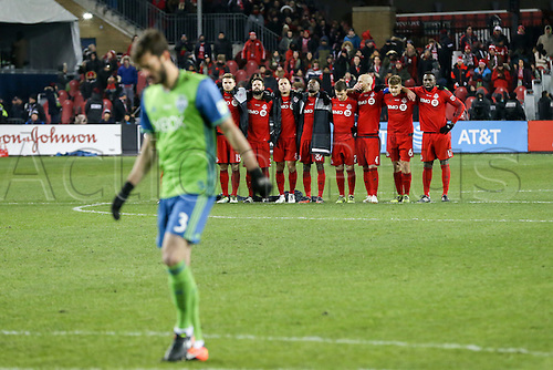 10.12.206. Toronto, ONT, Canada. MLS Football League Cup. Brad Evans #3 of Seattle Sounders prepares to take a penalty shot against Toronto FC of the MLS Cup Final on December 10, 2016, at BMO Field in Toronto, ON, Canada. Seattle won 5-4 on penalty kicks.