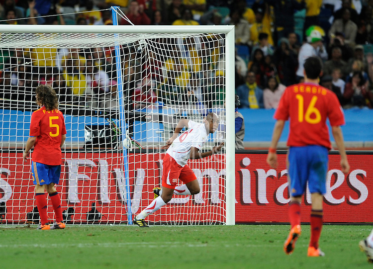 Gelson Fernandes of Switzerland celebrates his winning goal