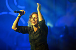 VINILA VON BISMARK visita THE HOLE ZERO para presentar su nuevo album 'Motel Llamado Mentira'. <br /> Chambao.