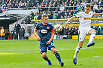 04.11.2018, Stadion im Borussia-Park, Moenchengladbach, GER, 1. FBL, Borussia Moenchengladbach vs. Fortuna Duesseldorf, DFL regulations prohibit any use of photographs as image sequences and/or quasi-video<br /> <br /> im Bild Matthias Ginter (#28, Borussia M?nchengladbach / Moenchengladbach) re. klaert den Ball vor Rouwen Hennings (#28, Fortuna D&uuml;sseldorf / Duesseldorf) <br /> <br /> Foto &copy; nordphoto/Mauelshagen