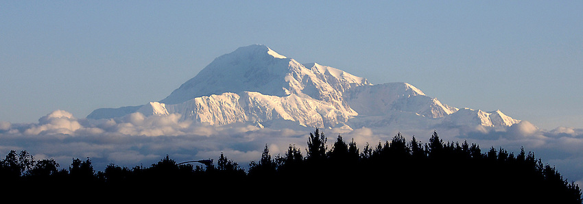 Denali from Trapper Creek Inn.  Bob Gathany photo.