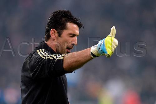 13.02.2016. Juventus Stadium, Turin, Italy. Serie A Football. Juventus versus Napoli. Luigi Buffon during the warm-up