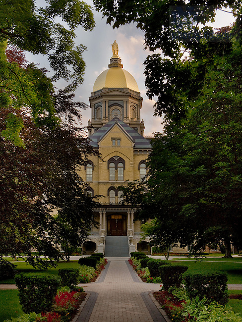 Main Building, University of Notre Dame<br /> <br /> Matt Cashore/University of Notre Dame