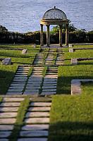 "Iles Bahamas / New Providence et Paradise Island / Nassau: Hotel ""One & Only Océan Club"" le jardin ""Versailles Garden"" //  Bahamas Islands / New Providence and Paradise Island / Nassau : Hotel ""One & Only Ocean Club"" the garden ""Versailles Garden"""