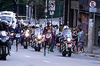 ATENÇÃO EDITOR: FOTO EMBARGADA PARA VEÍCULOS INTERNACIONAIS. - SAO PAULO, SP, 31 DE DEZEMBRO 2012 - 88ª CORRIDA DE SÃO SILVESTRE - PERSONAGENS .88ª Corrida Internacional de São Silvestre na manhã desta segunda-feira (31), na Avenida Paulista em São Paulo (SP). A mais tradicional corrida de Rua do Brasil permitindo aos corredores passarem diante dos principais pontos turísticos e marcos históricos da cidade de São Paulo..(FOTO: PADUARDO / BRAZIL PHOTO PRESS).