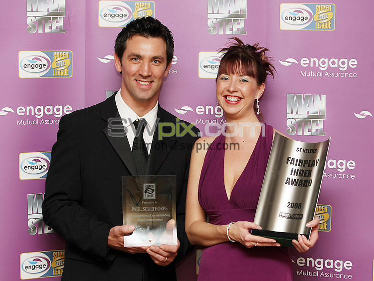 PICTURE BY VAUGHN RIDLEY/SWPIX.COM - Rugby League - Super League - Man of Steel Awards 2008 - Hilton Hotel, Manchester, England - 30/09/08...Copyright - Simon Wilkinson - 07811267706...Engage's Tina Clare and St. Helens Paul Sculthorpe who received an award for an Outstanding Super League Career.