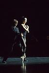 Edouard Lock - la la la human steps..Amjad..21 novembre 2007 au théâtre de la Ville - Paris....Xuan Cheng, Talia Evtushenko, Keir Knight, Jason Shipley-Holmes....© photo : Laurent Paillier - 01 53 30 05 74 - photo@laurentpaillier.net