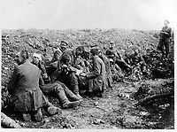 German prisonors captured by the Canadians at Courcelette<br /> <br /> <br /> 15 september 1916<br /> Location<br /> <br /> Courcelette, Frankrijk