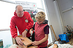 Keep Wales Tidy<br /> Tesco Cardiff<br /> 30.10.14<br /> &copy;Steve Pope-FOTOWALES