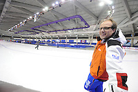 SCHAATSEN: CALGARY: Olympic Oval, 09-11-2013, Essent ISU World Cup, Jac Orie (trainer coach Team BrandLoyalty/Team Activia), ©foto Martin de Jong