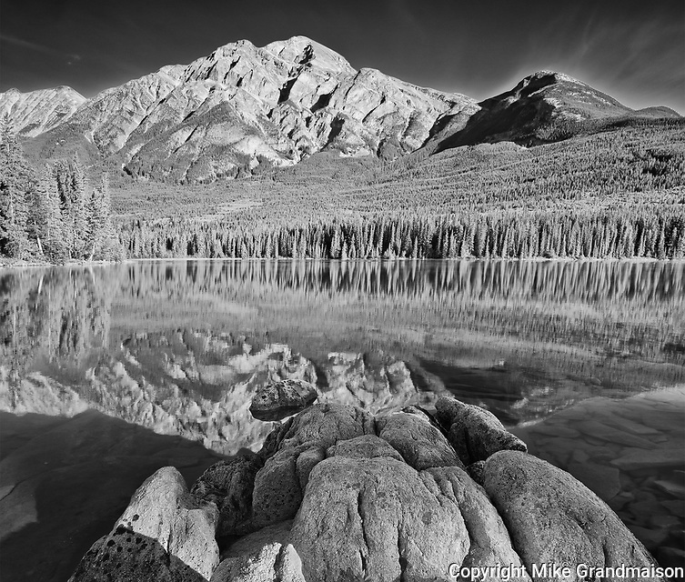 Pyramid Mountain and Pyramid Lake<br />
