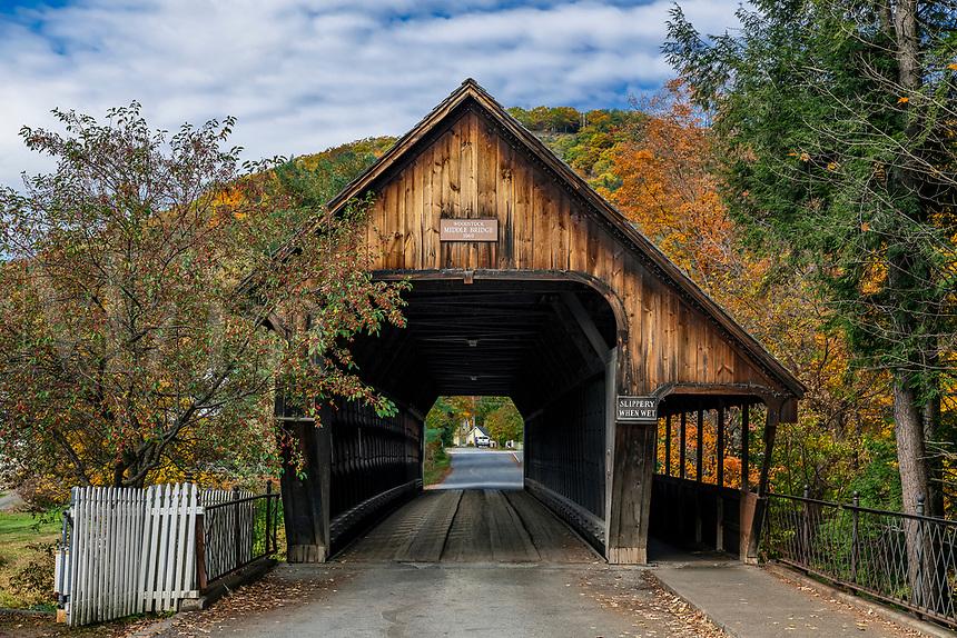 Middle Covered Bridge, Woodstock, Vermont, USA.