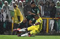 BOGOTA - COLOMBIA -25-02-2017: Diego Valoyes (Izq.) jugador de La Equidad disputa el balón con Farid Diaz (Der.) jugador de Atletico Nacional, durante partido entre La Equidad y Atletico Nacional, por la fecha 5 de la Liga Aguila I-2017, jugado en el estadio Nemesio Camacho El Campin de la ciudad de Bogota. / Diego Valoyes (L) player of La Equidad vies for the ball with Farid Diaz (R) player of Atletico Nacional, during a match between La Equidad and Atletico Nacional, for the  date 5 of the Liga Aguila I-2017 at the Nemesio Camacho El Campin Stadium in Bogota city, Photo: VizzorImage  / Luis Ramirez / Staff.