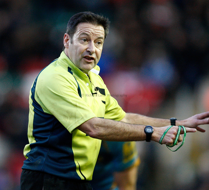 Photo: Richard Lane/Richard Lane Photography. Leicester Tigers v London Wasps. LV= Cup. 26/01/2013. Referee, Martin Fox.