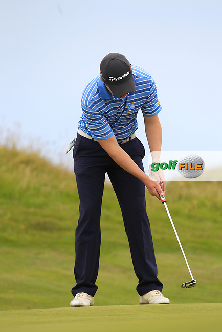 Mark MacGrath (Limerick) on the 1st green during Matchplay Round 4 of the South of Ireland Amateur Open Championship at LaHinch Golf Club on Saturday 25th July 2015.<br /> Picture:  Golffile | TJ Caffrey