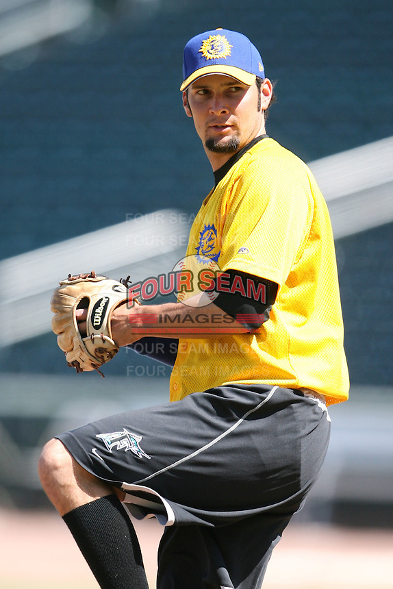 April 17, 2009:  Pitcher Jarrett Santos of the Jacksonville Suns, Southern League Class-AA affiliate of the Florida Marlins, during a game at the Baseball Grounds of Jacksonville in Jacksonville, FL.  Photo by:  Mike Janes/Four Seam Images