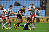 Billy Twelvetrees of Gloucester Rugby is tackled by Elliot Daly of Wasps. Aviva Premiership match, between Wasps and Gloucester Rugby on November 8, 2015 at the Ricoh Arena in Coventry, England. Photo by: Patrick Khachfe / Onside Images