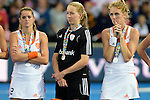 ENG - London, England, August 30: Players of The Netherlands look dejected after loosing the final of the Unibet EuroHockey 2015 geld medal match against England on August 30, 2015 at Lee Valley Hockey and Tennis Centre, Queen Elizabeth Olympic Park in London, England. Final score 2-2 (3-1 SO). (Photo by Dirk Markgraf / www.265-images.com) *** Local caption ***Lidewij WELTEN #12 of The Netherlands, Joyce SOMBROEK (GK) #1 of The Netherlands, Willemijn BOS #7 of The Netherlands