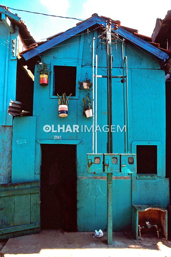 Barraco na favela do Vergueiro. São Paulo. 1987. Foto Juca Martins.