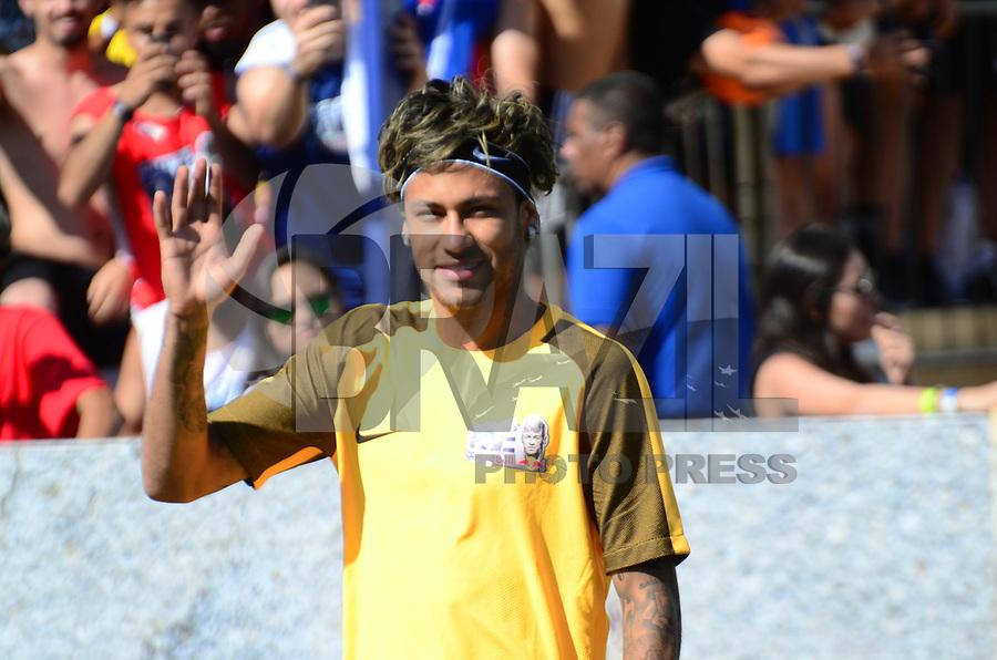 PRAIA GRANDE, SP, 08.07.2017 - NEYMAR-JR - Neymar Jr jogador brasileiro do Barcelona é visto durante evento Jr's Five no Instituto Neymar Jr. na Praia Grande litoral paulista neste sábado, 08. (Foto: Eduardo Martins/Brazil Photo Press)