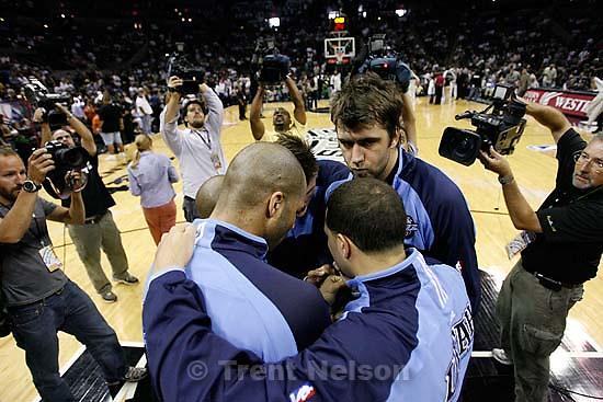 robert johnson, pregame huddle. Utah Jazz center Mehmet Okur (13). San Antonio - Utah Jazz vs. San Antonio Spurs, NBA basketball, Western Conference Finals Game One..5.20.2007