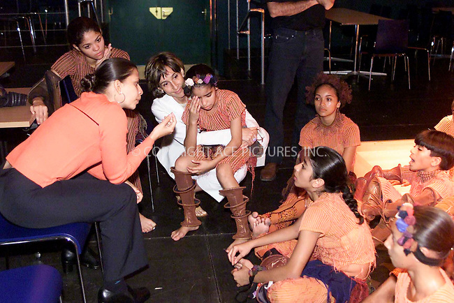 Viviane Senna with children of the Ayrton-Senna-Foundation, Arton Senna Foundation danceshow in Vienna, 06/2002, © PHOTO PRESS SERVICE Vienna