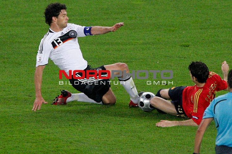 UEFA Euro 2008  Finale<br /> <br /> Vienna - Ernst Happel Match 32<br /> Deutschland ( GER ) - Spanien ( ESP )<br /> <br /> Zweikampf Michael Ballack (Germany / Mittelfeldspieler / Midfielder /  Chelsea London #13) gegen Cesc F&aacute;bregas  ( Spain / Mittelfeldspieler / Midfielder / Arsenal FC #10 )<br /> <br /> Foto &copy; nph (  nordphoto  )<br /> <br /> <br /> <br />  *** Local Caption ***