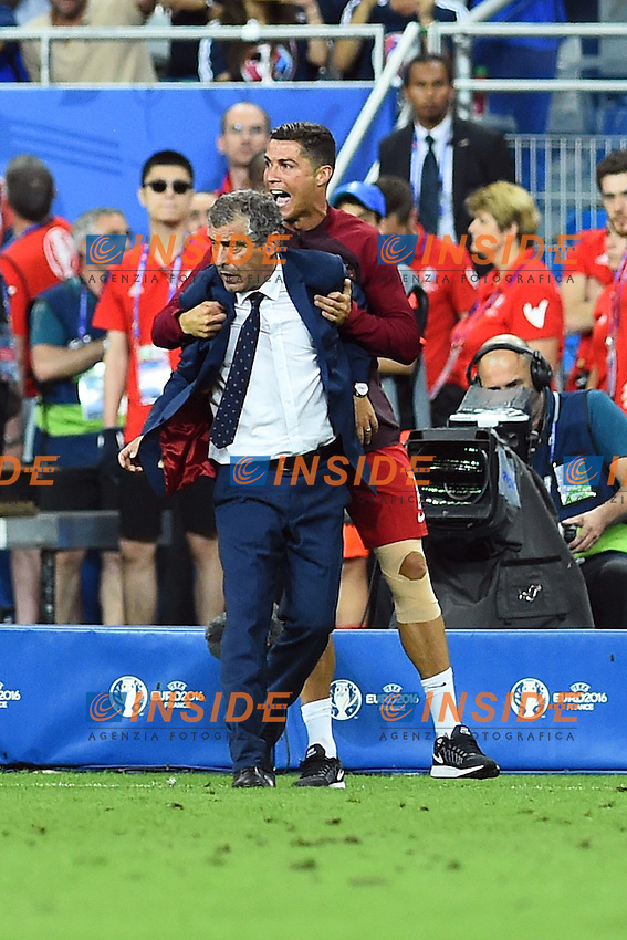 Esultanza fine partita Cristiano Ronaldo e Fernando Santos celebration end of match<br /> Paris 10-07-2016 Stade de France Football Euro2016 Portugal - France / Portogallo - Francia Finale / Final<br /> Foto Massimo Insabato / Insidefoto