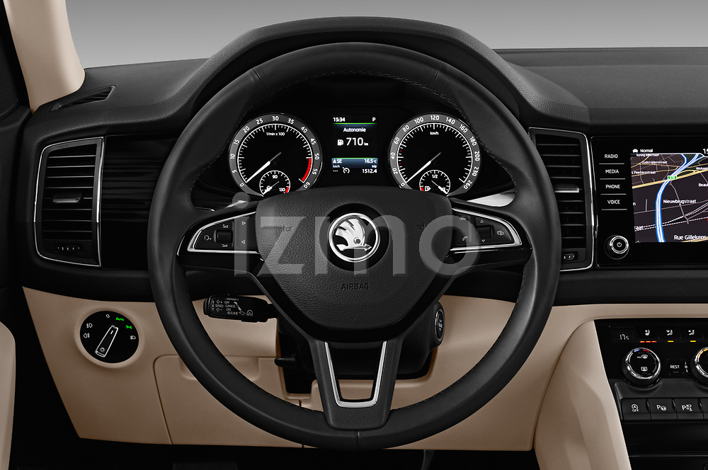 Car pictures of steering wheel view of a 2017 Skoda Kodiaq Style 5 Door SUV Steering Wheel