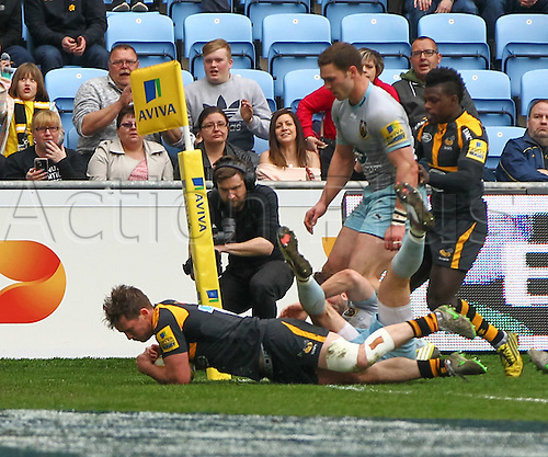 03.04.2016. Ricoh Arena, Coventry, England. Rugby Aviva Premiership. Wasps versus Northampton Saints. Wasps Jamie Stevenson scores a try.