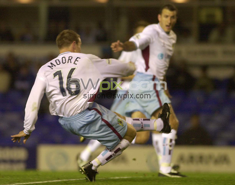 Pix: Ben Duffy....Nationwide First Division Football.....Birmingham v Burnley .....18/09/2001..COPYWRIGHT PICTURE>>SIMON WILKINSON>>01943 436649>>..GOAL....Burnley's Ian Moore scores his team second goal