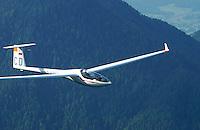 DG 303 in den Alpen: DEUTSCHLAND, 19.05.2015 DG 303 in den slovenischen Alpen bei Bled