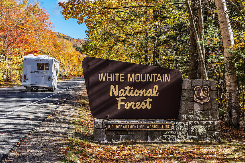 Autumn tourism in White Mountain National Forest, New Hampshire, USA.