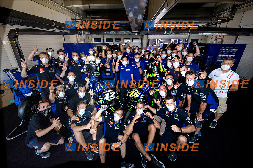 averick Vinales Yamaha, Valentino Rossi Yamaha and staff celebrate <br /> Jerez 26/07/2020 Moto Gp Andalucia 2020 / Spain<br /> Photo Yamaha Press Office / Insidefoto <br /> EDITORIAL USE ONLY