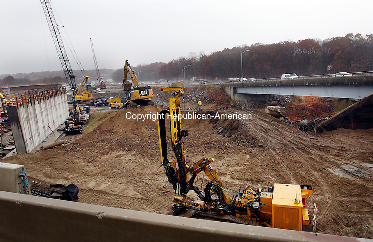 WATERBURY CT. 15 November 2016-111516SV04-Construction on the I84 exit 25 ramp continues in Waterbury Tuesday.<br /> Steven Valenti Republican-American