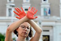 Migranti, mani rosse al Viminale